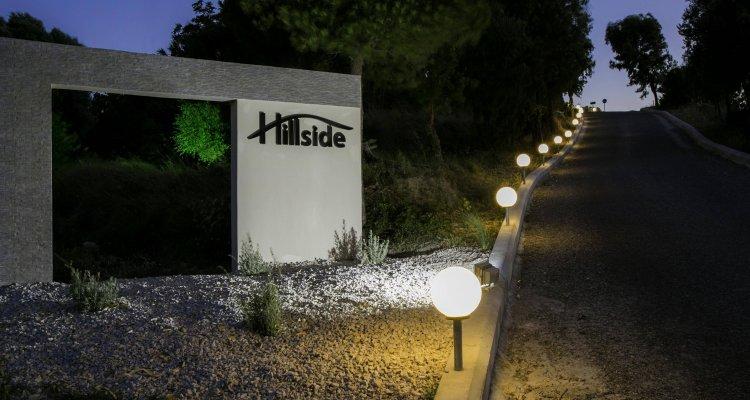 Hillside Studios & Apartments