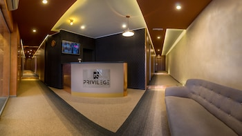 Privilege Suites By Central Park