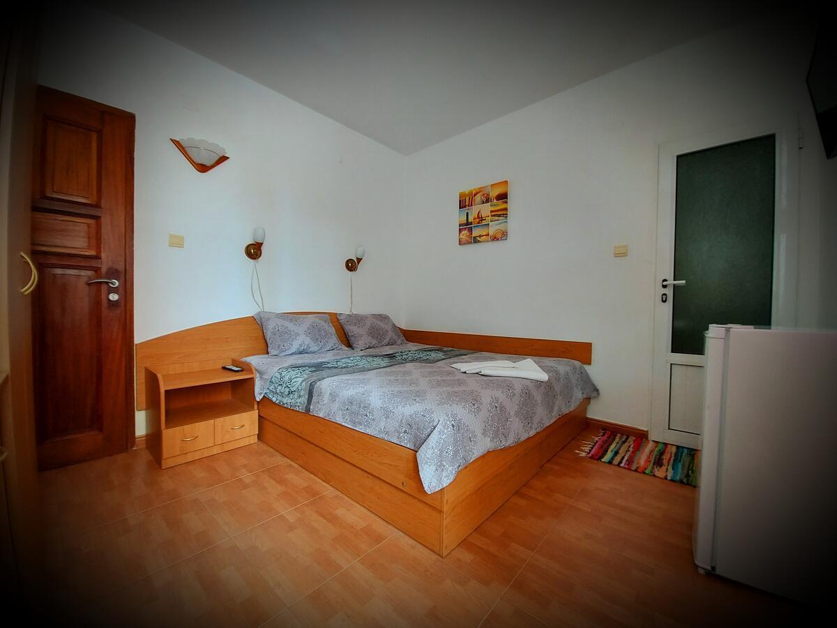 Shans Room