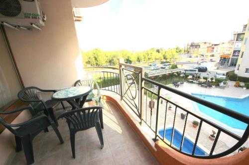 Menada Sea Regal Apartment