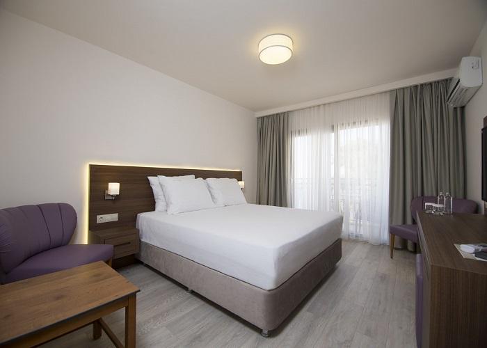 NEOPOL DELUXE HOTEL