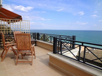 Sea View Rental Front Beach