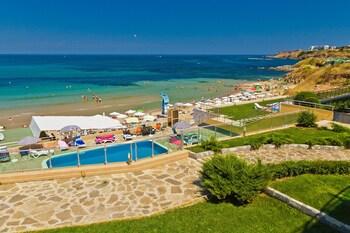 Black Sea Paradise