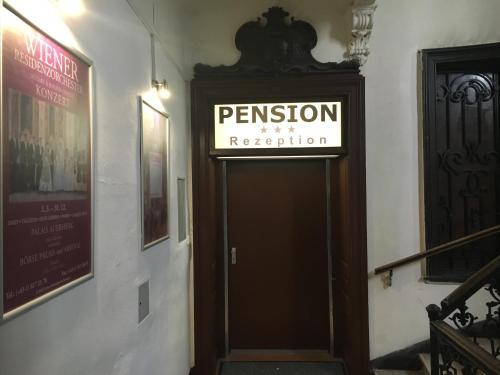 Pension Ani-falstaff