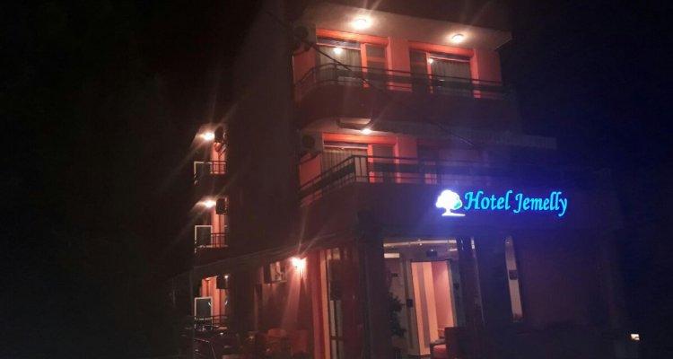 Jemelly Hotel