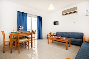 Sunny Hill Apartments