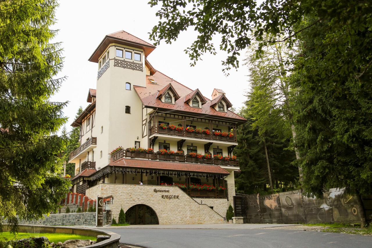 Hotelul FOISORUL CU FLORI