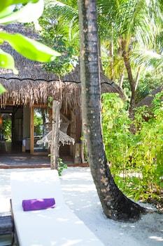 Constance Moofushi Resort