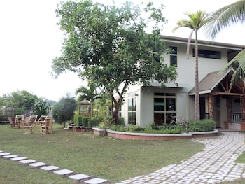 Nazaki Residences
