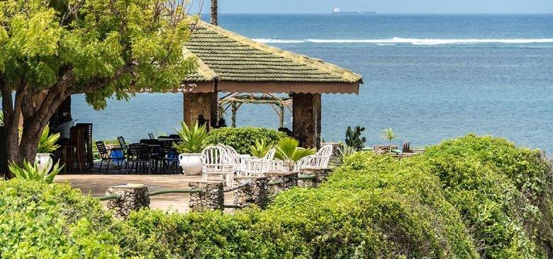 PrideInn Flamingo Beach Resort