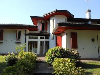 Vanessa House