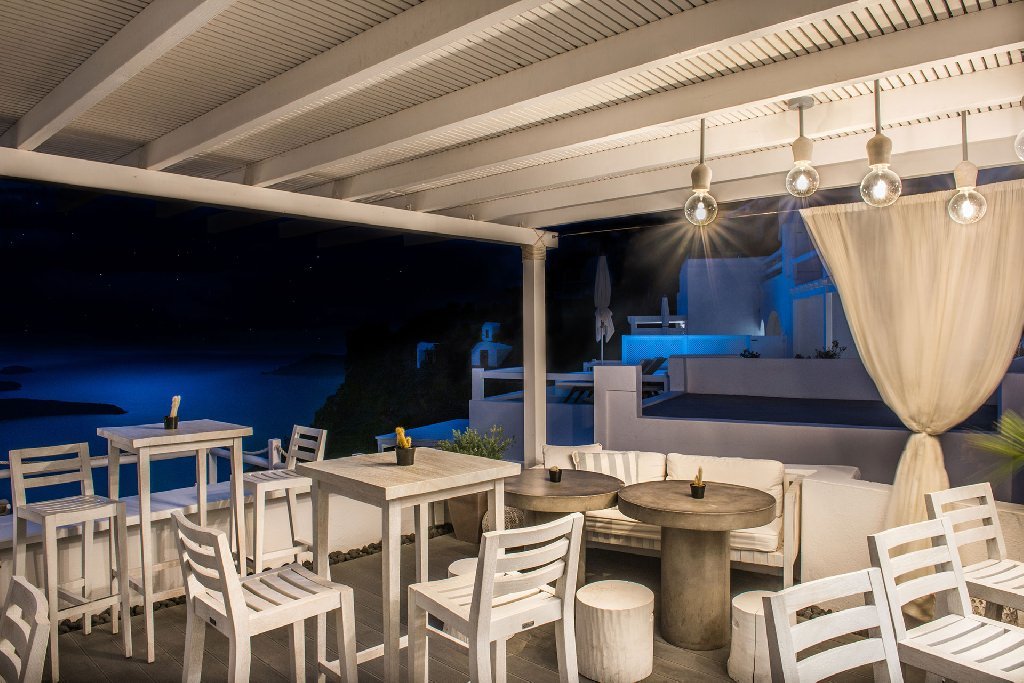 On the Rocks - Adults Only (Imerovigli - Santorini)