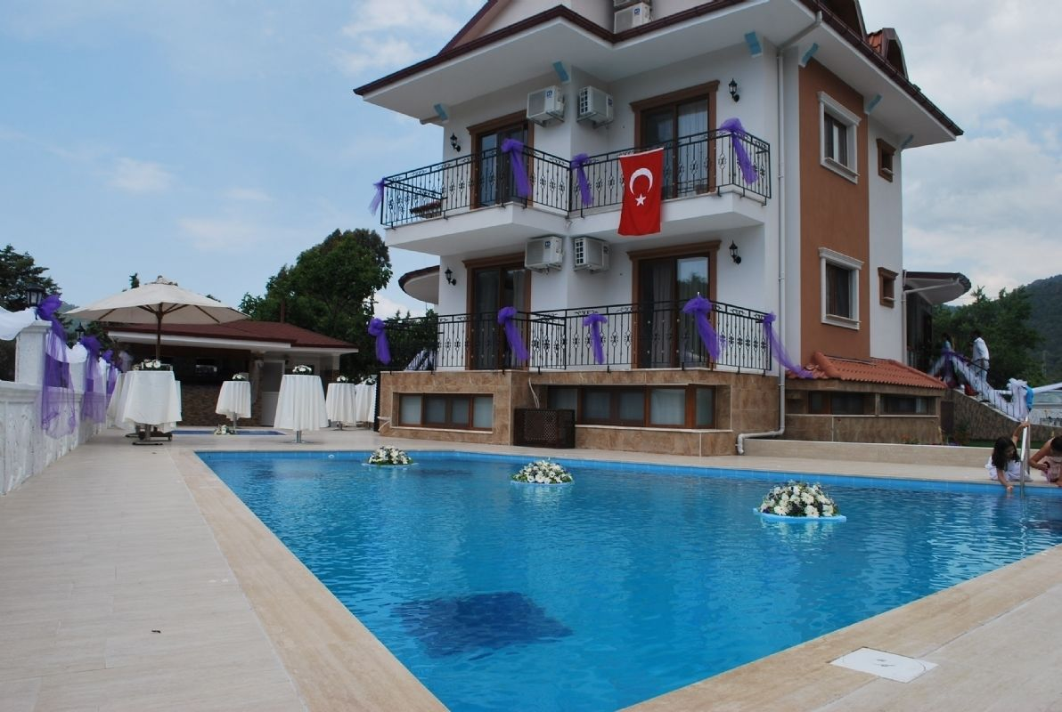 Funda Hotel