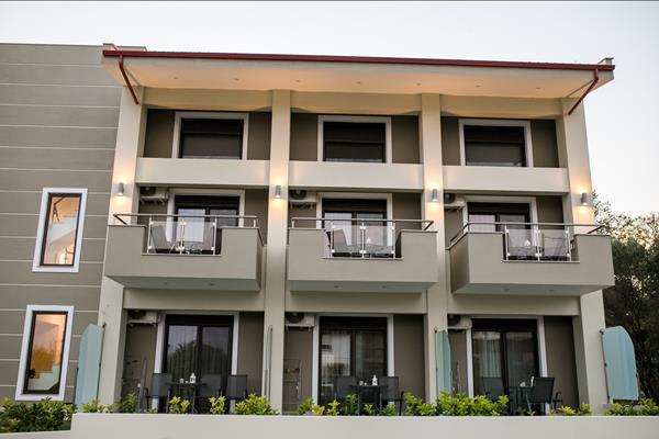 G Mare Studios  Apartments