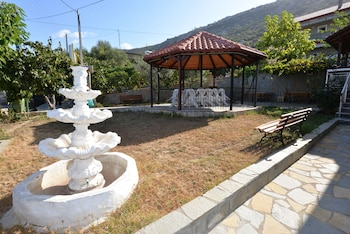 Studios Kostas And Despina