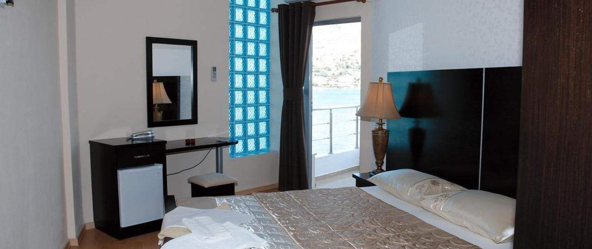Royal Sarande Hotel