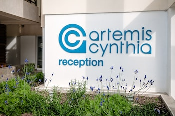 Artemis Cynthia Complex