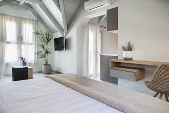 Argostoli Marina Suites