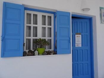 Blue Island Perissa