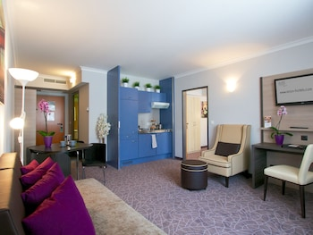 24hours Apartment Hotel