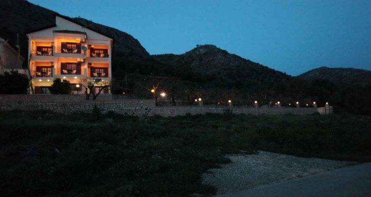 Almini Apartments