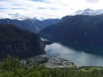 Magia Fiordurilor Norvegiei