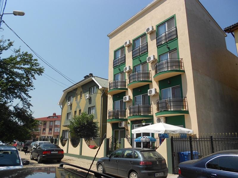 Vila Green House