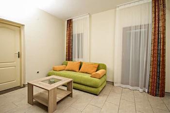 Apartments Ljoljic