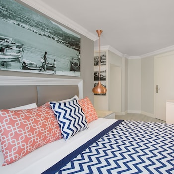 Sentido Marina Suites