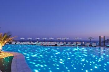Royal Myconian Hotel And Thalassa Spa
