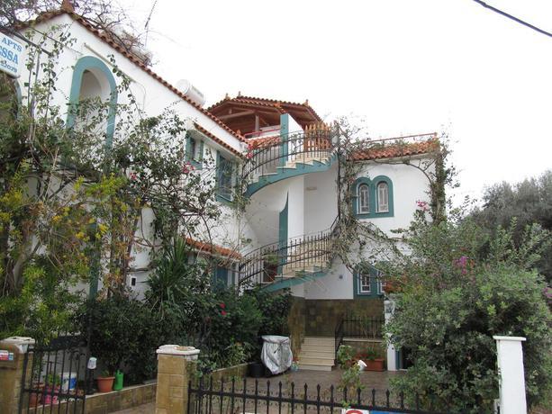 Villa Contessa Apartments