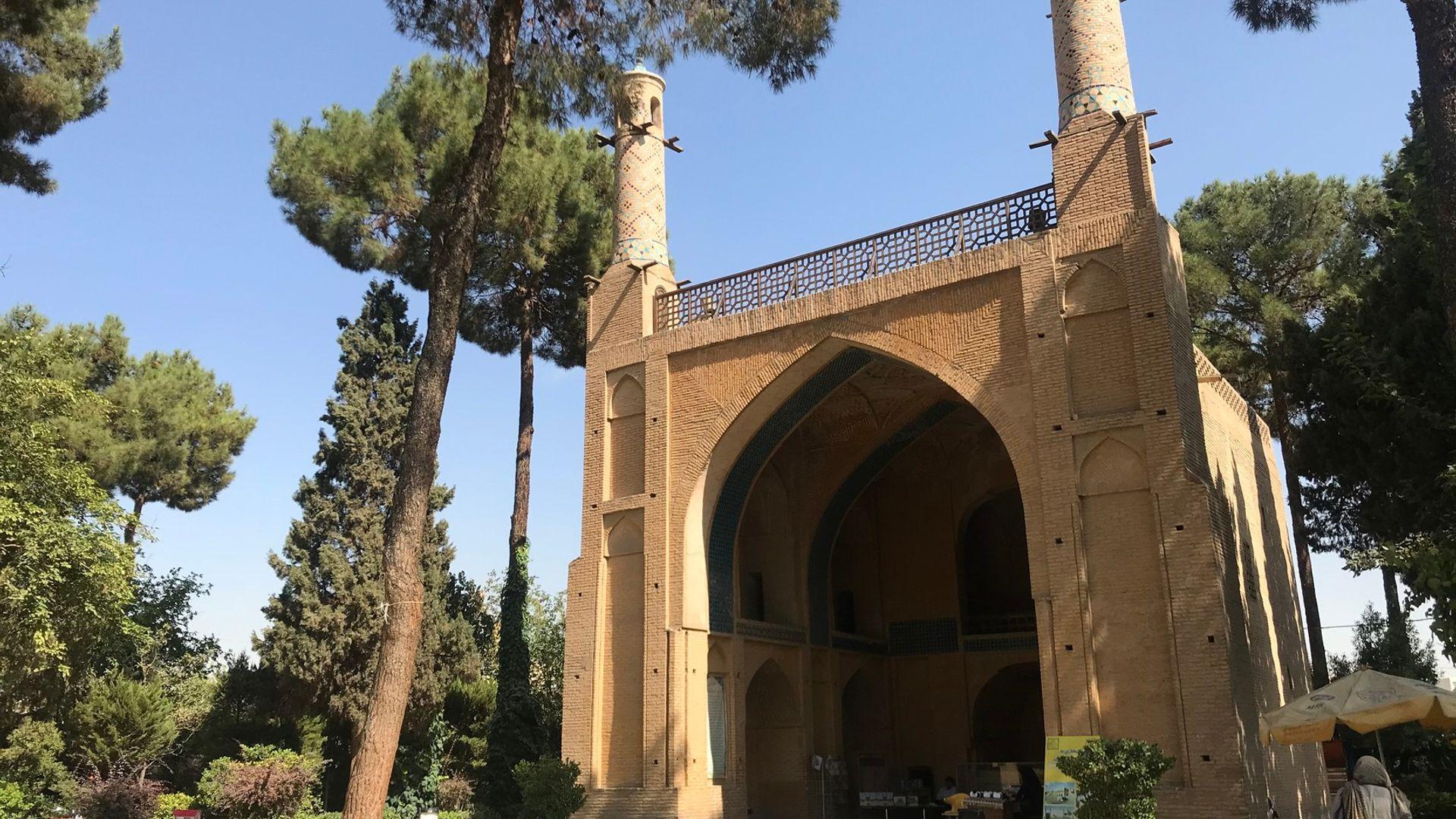 Circuit de grup - Discover Iran, 10 zile - mai 2022