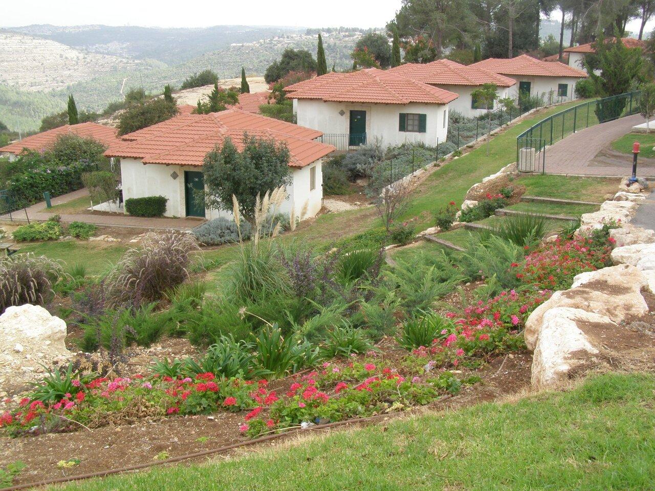 Shoresh Green Hills Country Village