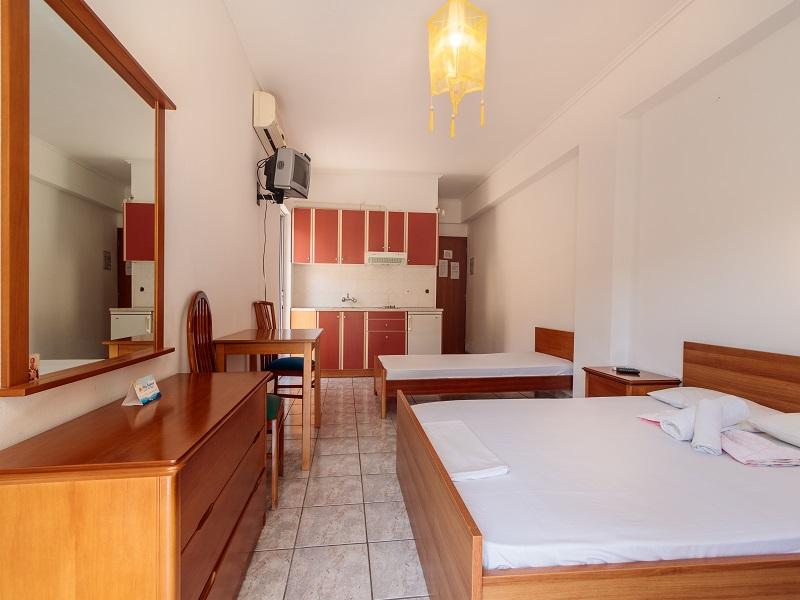 Athineon Kostas Studio