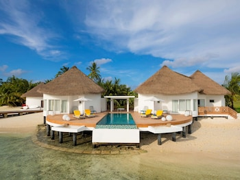 Mercure Maldives Kooddoo Resort