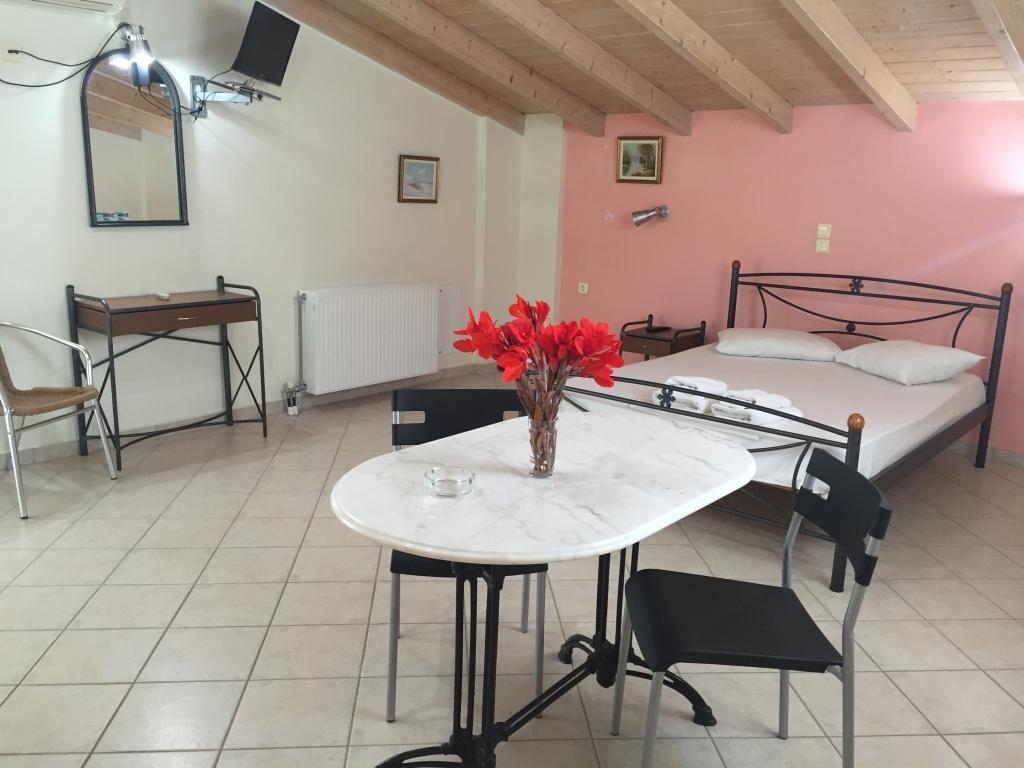 Rania Studios (Lefkada Town)