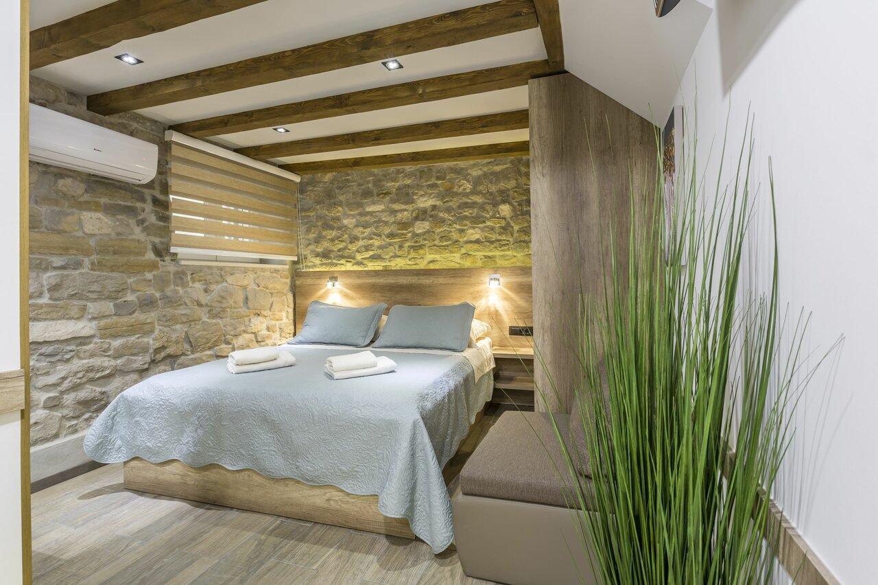 Reval Luxury Stone House Apartments
