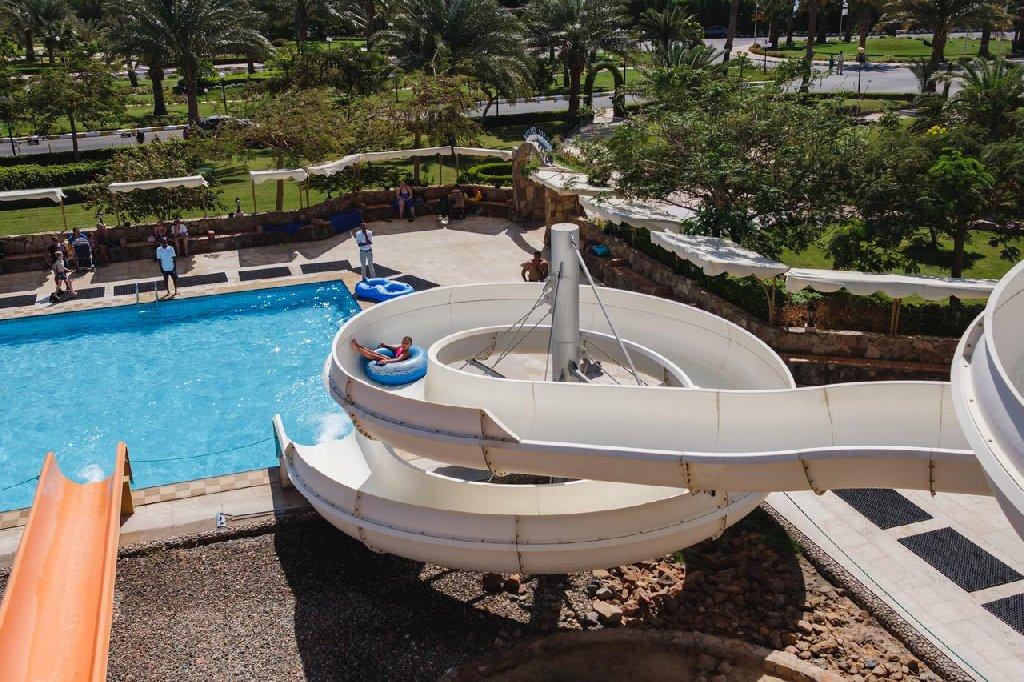 Desert Rose Resort.