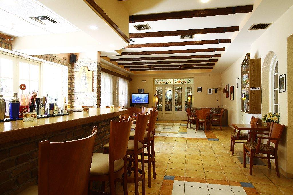 BINTZAN INN HOTEL (Perama) (C)