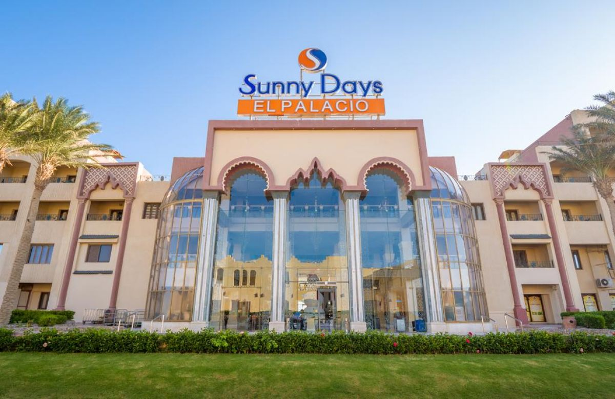 SUNNY DAYS EL PALACIO RESORT