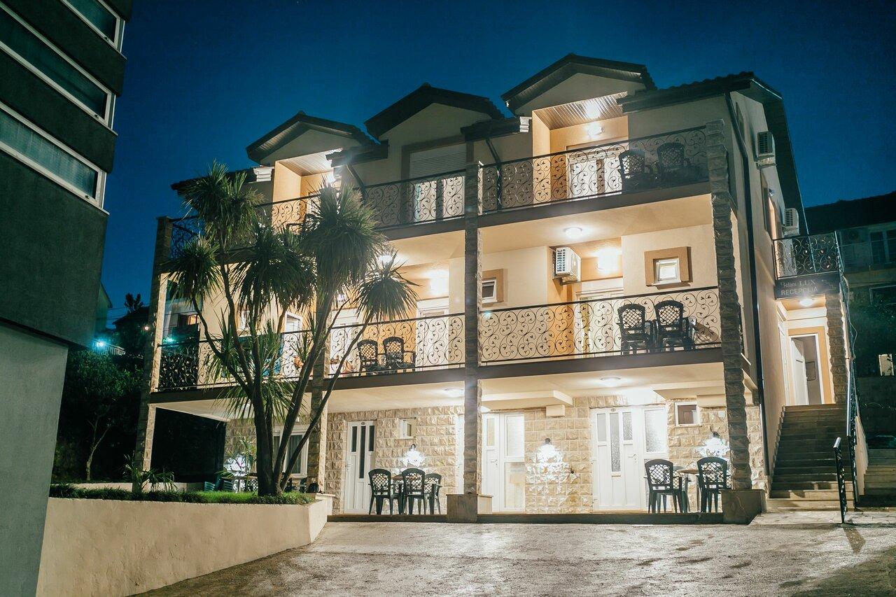 Apartments Belani