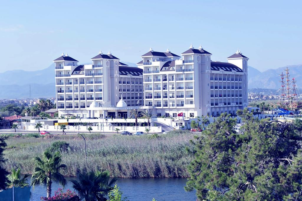 LRS LAKE RIVER SIDE HOTEL & SPA