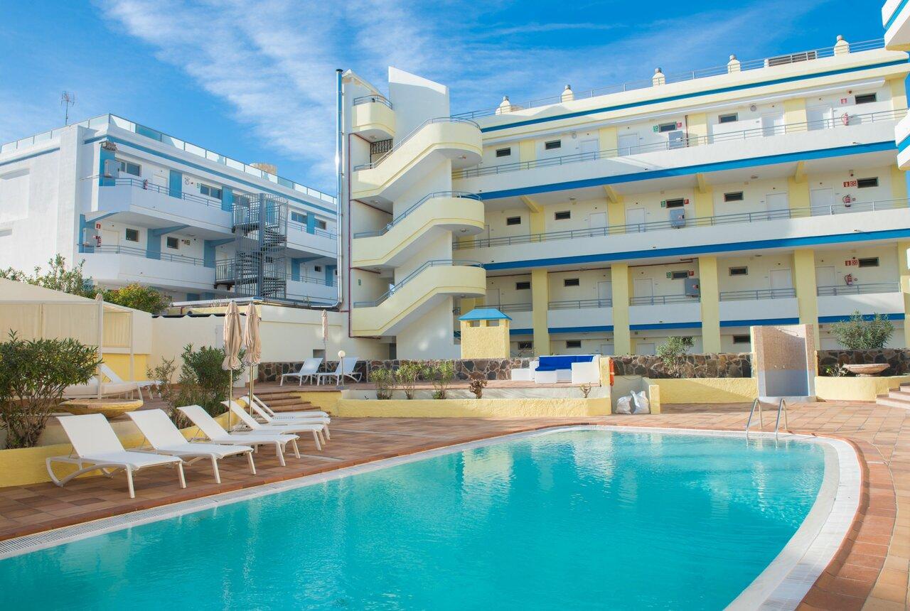 Dolores Apartments