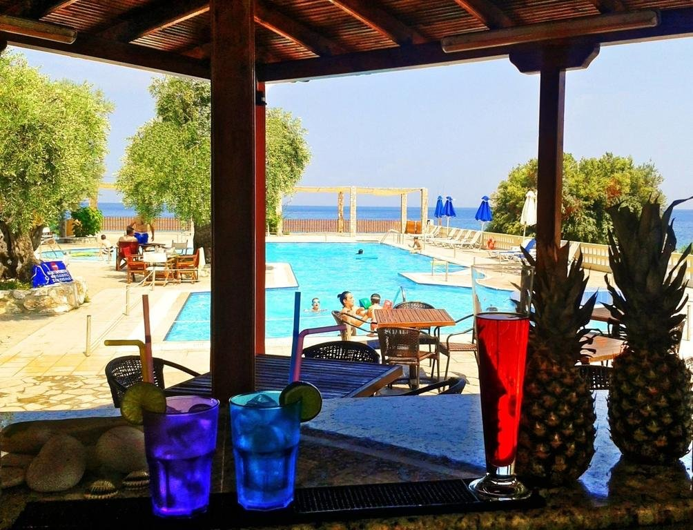 Maranton Beach Resort ( KINYRA)