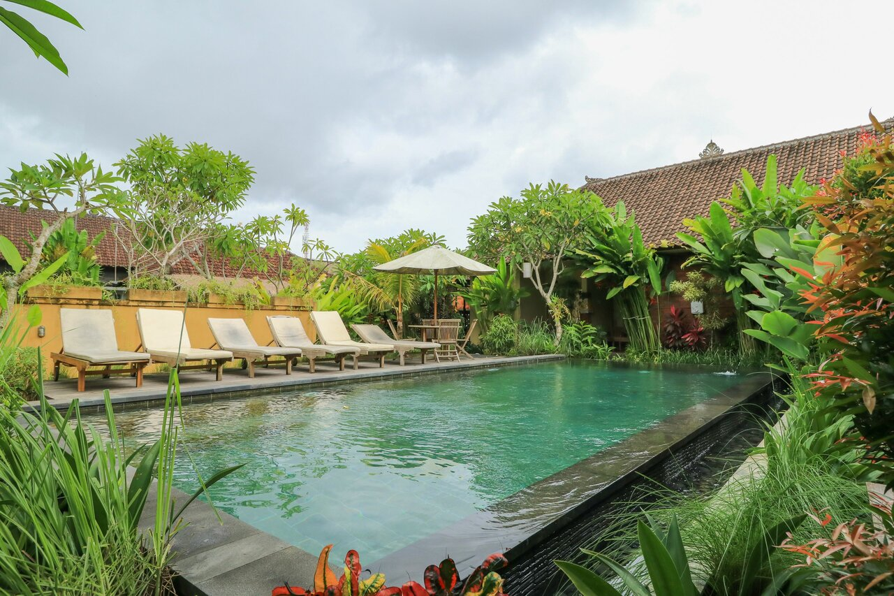 Bali Sunshine Homestay And Art Gallery