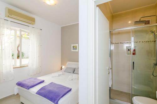 Rooms Batina