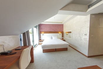Porto In Hotel