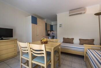 Windmill Bay Aparthotel