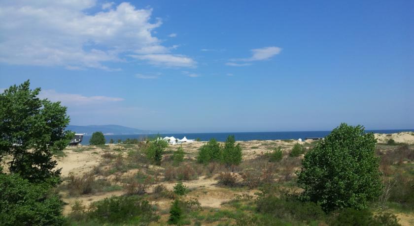Amfibia Beach