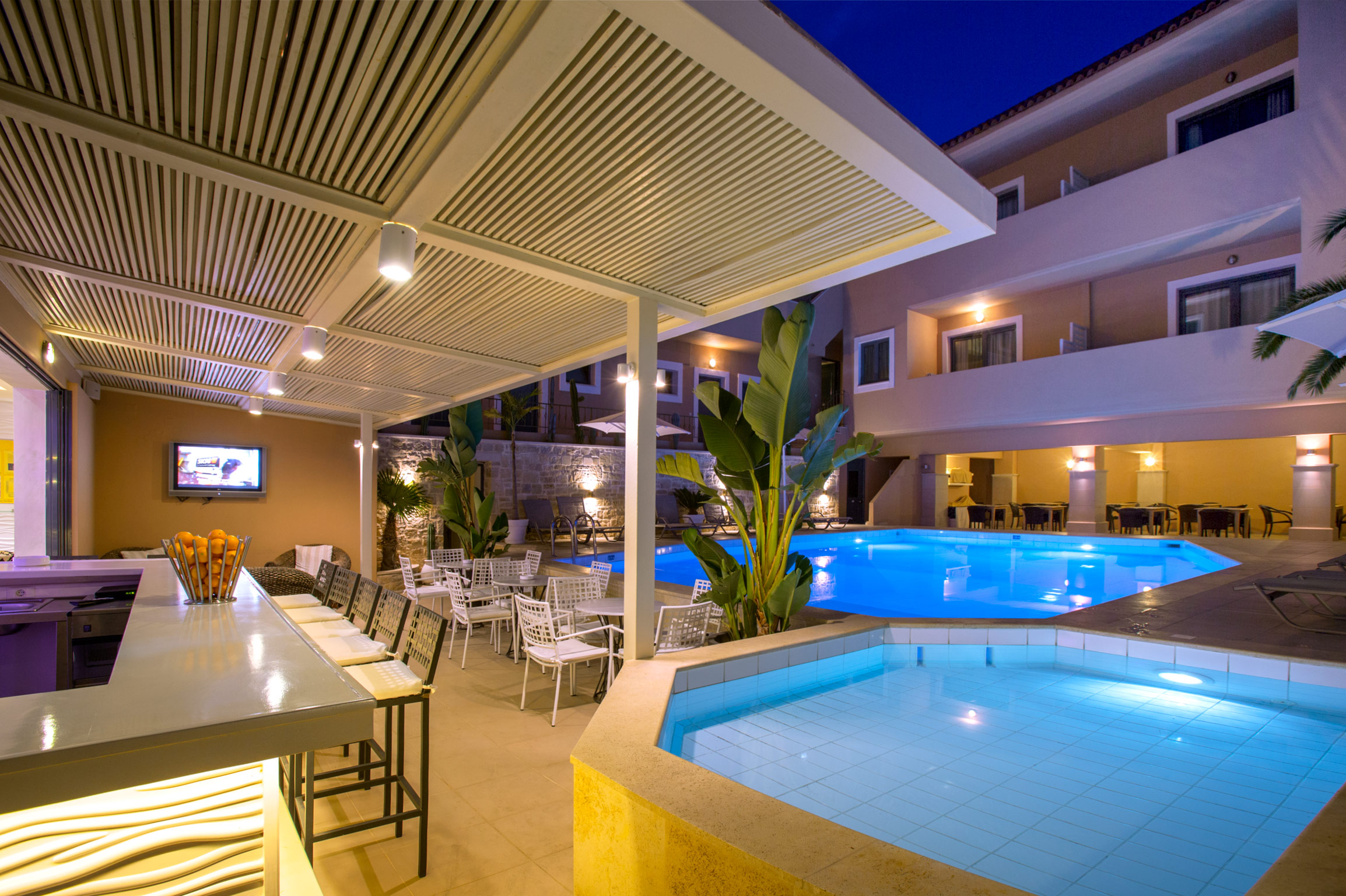 La Stella Apartments & Suites